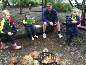 160804 Kindy campfire (12)